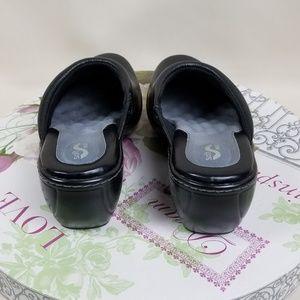 SoftWalk Shoes - SoftWalk Murietta  Black Clogs